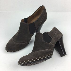 ~  Sofft Brown Suede Booties Slip On chunky boots
